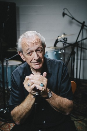 CHARLIE MUSSELWHITE (US)