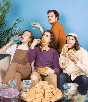 Peach Pit (CAN) LIVE + Support