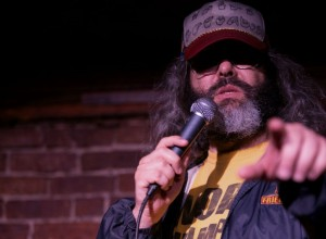 oslipat-presenterar-judah-friedlander